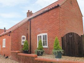 The Stables - Lincolnshire - 986991 - thumbnail photo 2