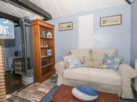 Old Beams Lodge - Dorset - 987097 - thumbnail photo 4