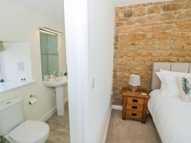 Treacle Cottage - Cotswolds - 987367 - thumbnail photo 17