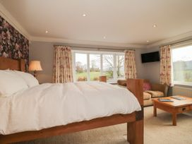 The Lodge - North Yorkshire (incl. Whitby) - 987634 - thumbnail photo 13