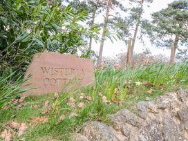 Wisteria Cottage - Herefordshire - 987806 - thumbnail photo 2