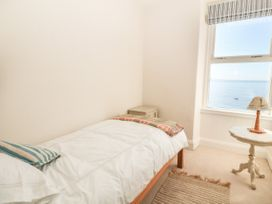 11 Marine Terrace - North Wales - 988083 - thumbnail photo 22