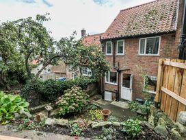 Flamingo Cottage - Whitby & North Yorkshire - 988574 - thumbnail photo 14