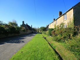Pheasant Cottage - Cotswolds - 988600 - thumbnail photo 17