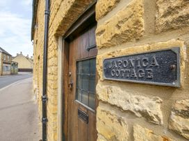 Japonica Cottage - Cotswolds - 988652 - thumbnail photo 1