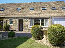 Courtyard Cottage - Cotswolds - 988659 - thumbnail photo 2