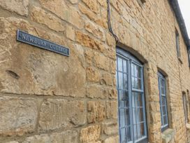 Newbury Cottage - Cotswolds - 988698 - thumbnail photo 1