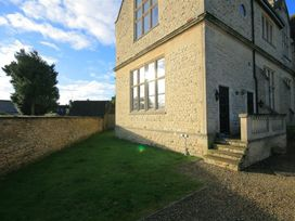 The Old School House - Cotswolds - 988716 - thumbnail photo 2