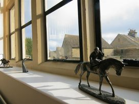 The Old School House - Cotswolds - 988716 - thumbnail photo 12