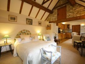 Stable Cottage - Somerset & Wiltshire - 988723 - thumbnail photo 11