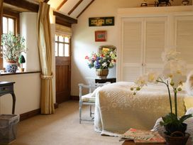 Stable Cottage - Somerset & Wiltshire - 988723 - thumbnail photo 13