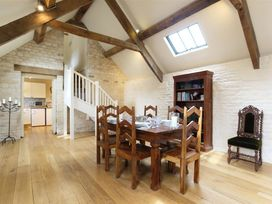 The Coach House, Swinbrook - Cotswolds - 988724 - thumbnail photo 10