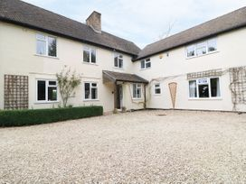 8 bedroom Cottage for rent in Moreton-in-Marsh