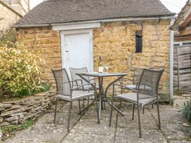 Wadham Cottage - Cotswolds - 988816 - thumbnail photo 2