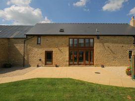 Tithe Barn, Lyneham - Cotswolds - 988828 - thumbnail photo 1
