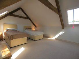 Malt Barn - Cotswolds - 988842 - thumbnail photo 17