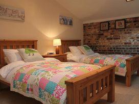 Nadder Barn - Somerset & Wiltshire - 988868 - thumbnail photo 12