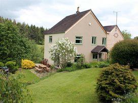 3 bedroom Cottage for rent in Cinderford
