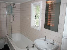 Gun Hill Cottage - Kent & Sussex - 988889 - thumbnail photo 20