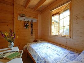 Woodland Cabin - Cornwall - 988890 - thumbnail photo 21