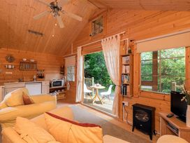 Woodland Cabin - Cornwall - 988890 - thumbnail photo 10