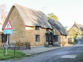 Spring Cottage - Cotswolds - 988909 - thumbnail photo 22