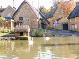 Spring Cottage - Cotswolds - 988909 - thumbnail photo 23