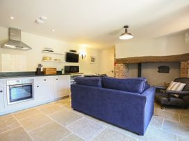 Kings Cottage - North - Somerset & Wiltshire - 988964 - thumbnail photo 6