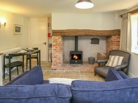 Kings Cottage - North - Somerset & Wiltshire - 988964 - thumbnail photo 3