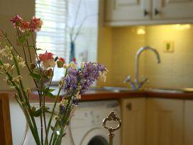Honeysuckle Cottage - Cotswolds - 988991 - thumbnail photo 12