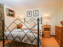 Henmarsh Cottage - Cotswolds - 988992 - thumbnail photo 10