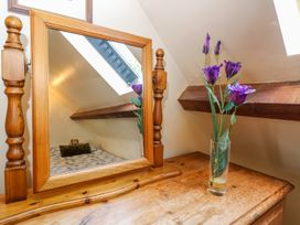Henmarsh Cottage - Cotswolds - 988992 - thumbnail photo 17