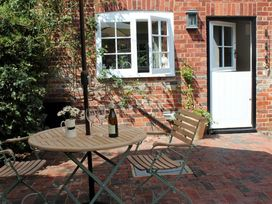 Granary Cottage - Kent & Sussex - 988999 - thumbnail photo 3
