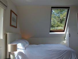 Granary Cottage - Kent & Sussex - 988999 - thumbnail photo 14