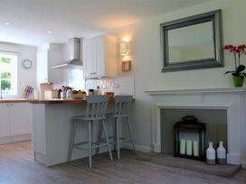 Granary Cottage - Kent & Sussex - 988999 - thumbnail photo 9