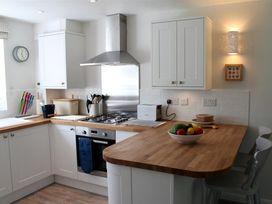 Granary Cottage - Kent & Sussex - 988999 - thumbnail photo 12