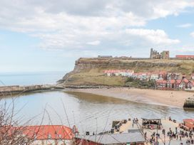 The Hideaway - Whitby & North Yorkshire - 989079 - thumbnail photo 13
