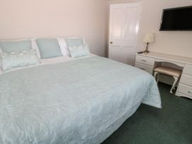 Tynemouth Village Penthouse - Northumberland - 989483 - thumbnail photo 15