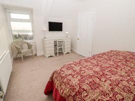 Tynemouth Village Penthouse - Northumberland - 989483 - thumbnail photo 23