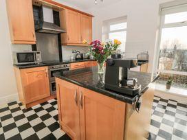 Tynemouth Village Penthouse - Northumberland - 989483 - thumbnail photo 10