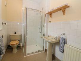 Park Lane Apartment - North Wales - 989623 - thumbnail photo 7