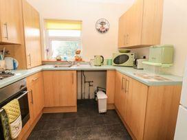 Park Lane Apartment - North Wales - 989623 - thumbnail photo 5