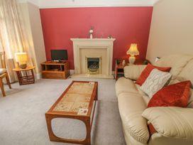 Park Lane Apartment - North Wales - 989623 - thumbnail photo 4