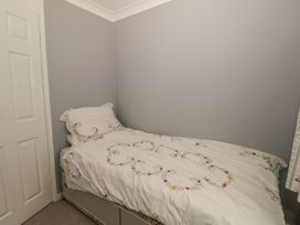 17 Coventry Close - Kent & Sussex - 989792 - thumbnail photo 14
