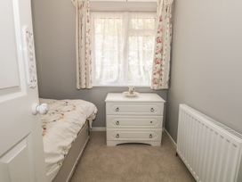 17 Coventry Close - Kent & Sussex - 989792 - thumbnail photo 15