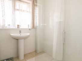 17 Coventry Close - Kent & Sussex - 989792 - thumbnail photo 21