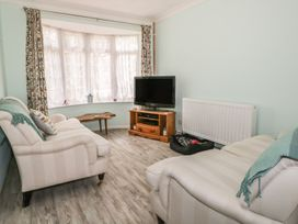 17 Coventry Close - Kent & Sussex - 989792 - thumbnail photo 3
