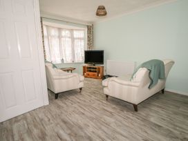 17 Coventry Close - Kent & Sussex - 989792 - thumbnail photo 7