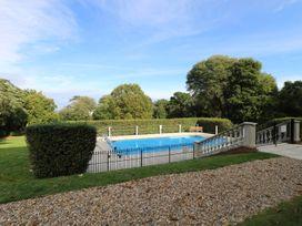 Lebrel Lodge - Isle of Wight & Hampshire - 989797 - thumbnail photo 3