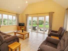 Caha Cottage - Kinsale & County Cork - 990047 - thumbnail photo 2
